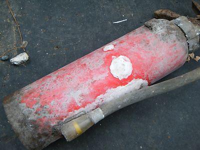 腐食した消火器2